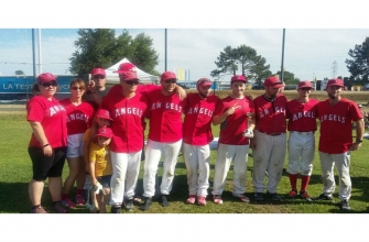 LES ANGELS BASEBALL CHUTE EN FINAL